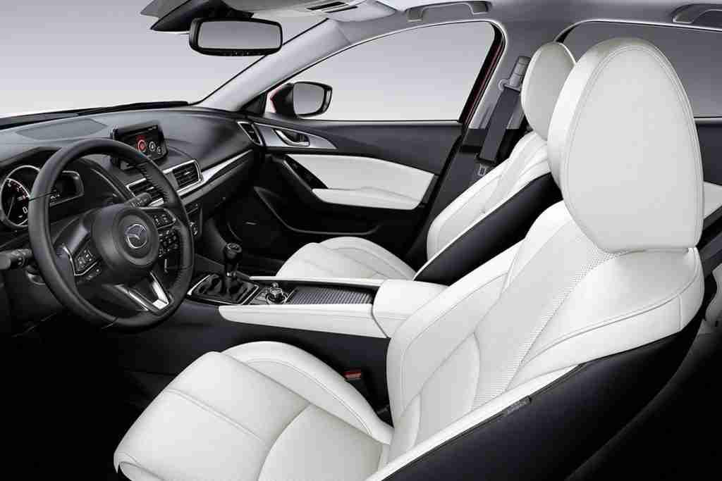 2018 mazda 3 interior features