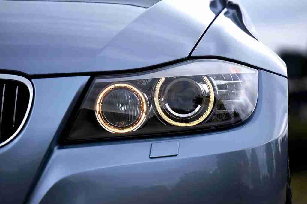 clean headlights in winter