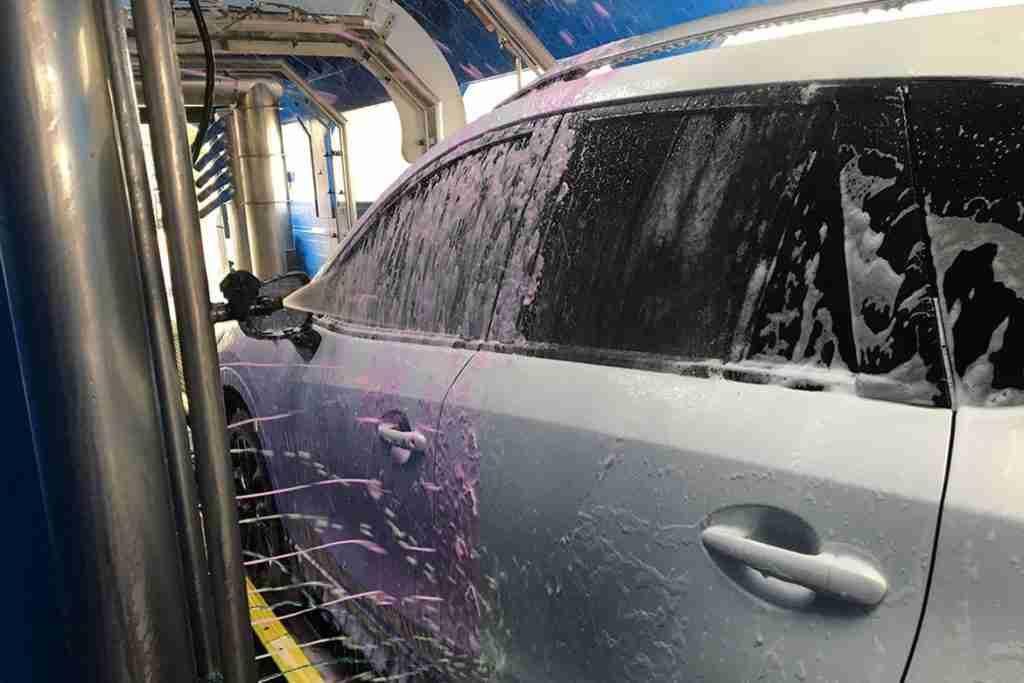 wash car in winter