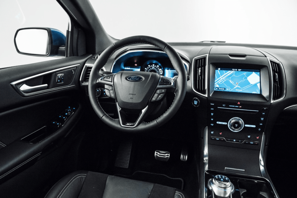 2019 ford edge st features