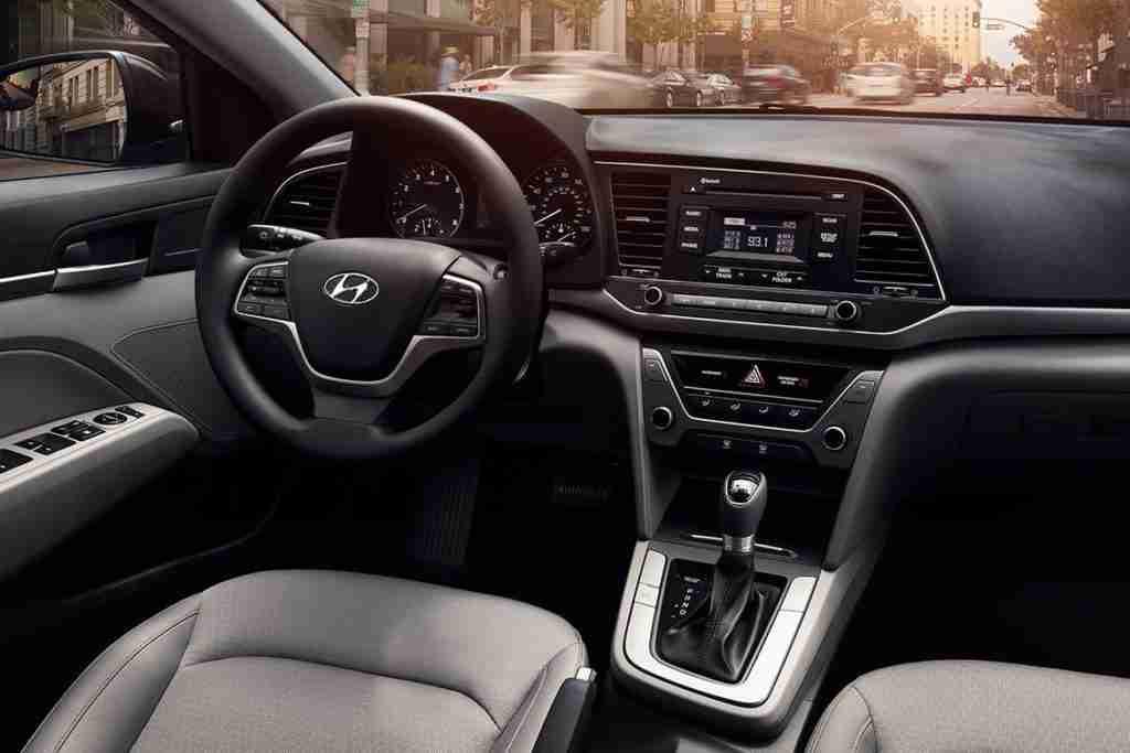 2018 hyundai elantra sedan interior