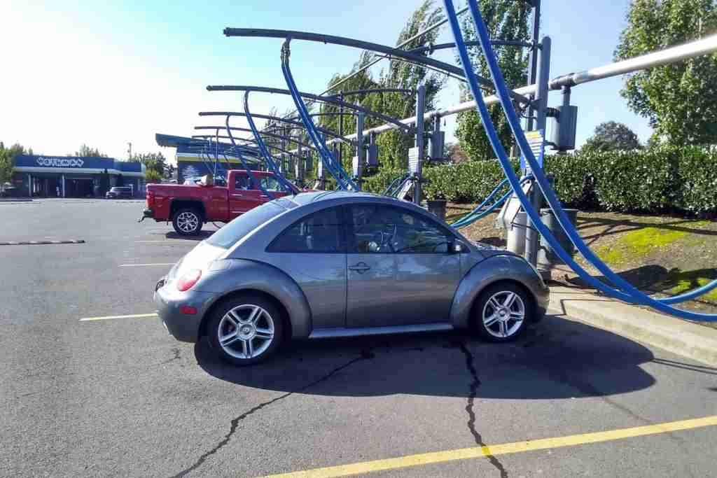 2005 volkswagen beetle features