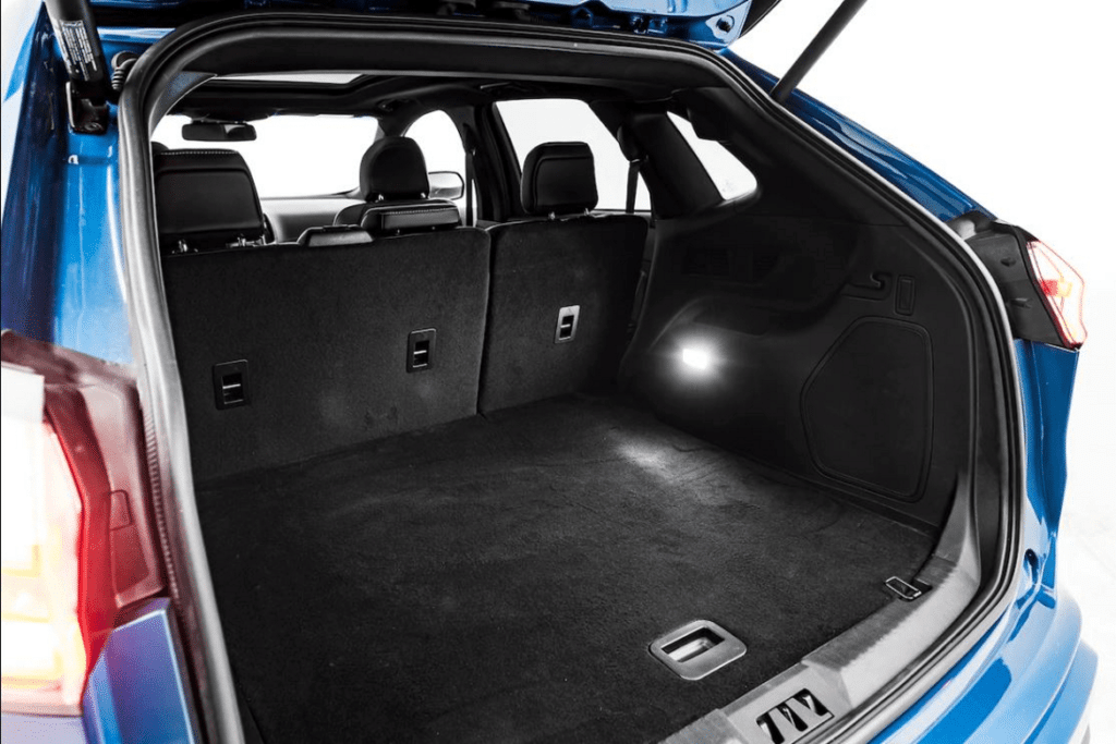 2019 ford edge st storage space