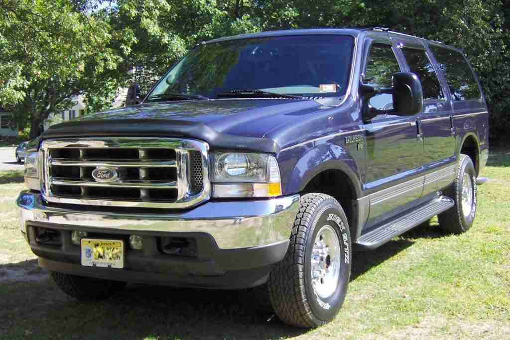 ford excursion configurations