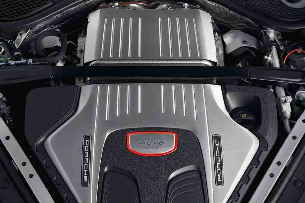 2020 porsche panamera engines